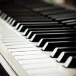 Como tocar piano: manual prático para iniciantes